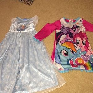 My little pony 4 and Frozen XS night gowns